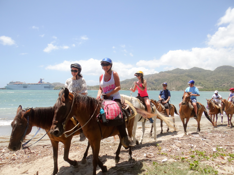Marysol Tours - Horseback Riding at Maimon Amber Cove Port